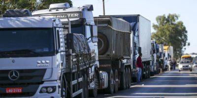 Greve dos caminhoneiros: entidade orienta não bloquear estradas