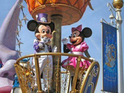 A Disney que contratou uma linha de crédito do Citbank, no valor de US$ 5 bilhões, cerca de R$ 25 bilhões. Clique aqui para saver mais