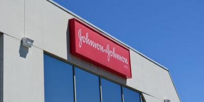 Johnson & Johnson fecha acordo de US$ 1 bi com EUA para vacina contra covid-19