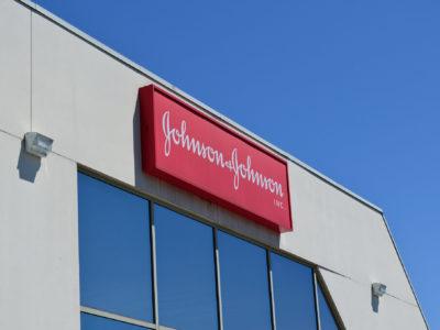 Johnson & Johnson deixará de vender produtos que clareiam a pele