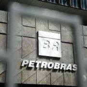 Petrobras antecipa pagamentos para encerrar greve dos petroleiros