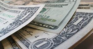 Dólar abre em alta de 0,599%, negociado a R$ 5,20