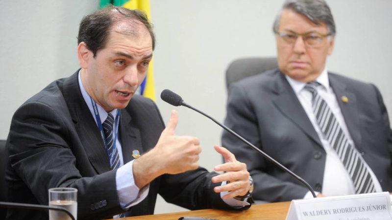 Governo estuda liberar FGTS de contas inativas; fundo será reformulado