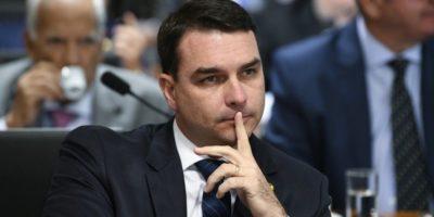 Justiça autoriza quebra de sigilo de Flávio Bolsonaro e de ex-assessor