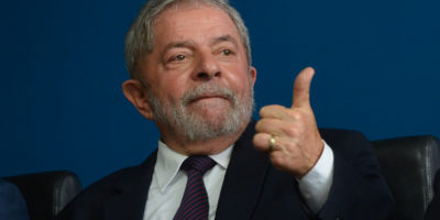 Juiz manda soltar Lula da prisão após decisão do STF