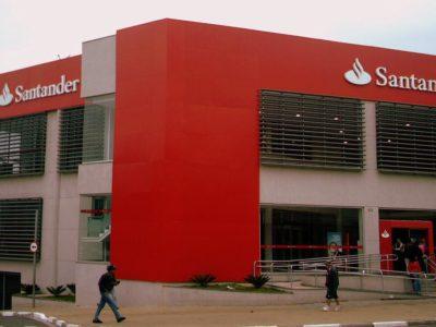 Santander estende prazo de pagamento de parcelas de crédito por 60 dias