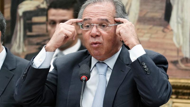 Vamos entrar com aumento de impostos sobre dividendos, diz Guedes