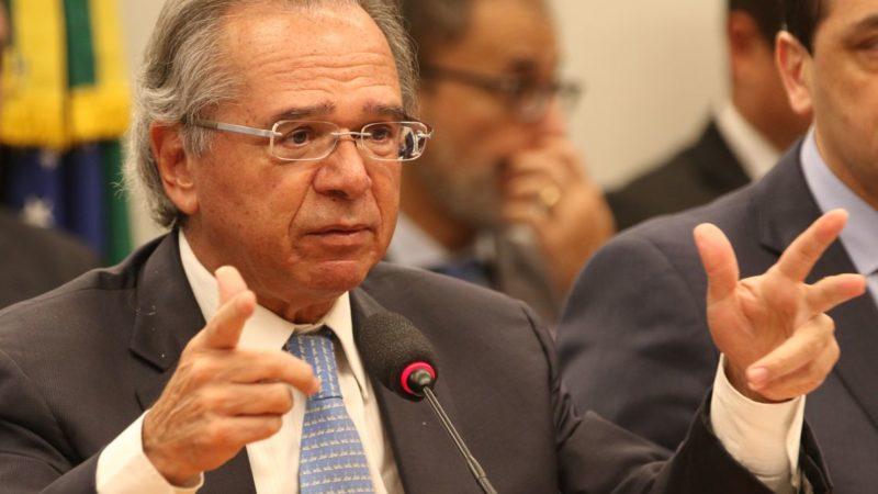 Governo quer simplificação tributária e pensa em imposto único, diz Guedes