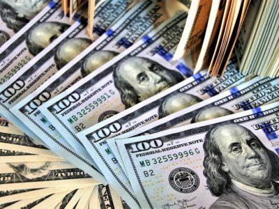 Dólar encerra em alta de 1,954%, cotado em R$ 5,386