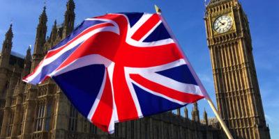Reino Unido reabre pubs e sofre escassez de cerveja por causa de alta na demanda