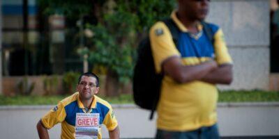 Correios cobram decisão do STF sobre plano de saúde e ameaçam greve