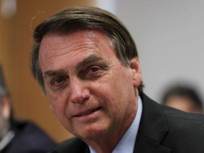 Bolsonaro afirma que EUA desistiram de tarifas sobre aço e alumínio