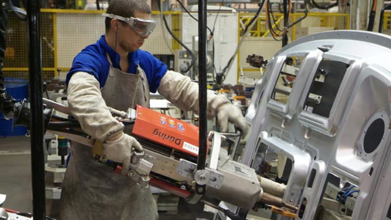 Produção industrial cresce pelo 2º mês consecutivo, aponta IBGE