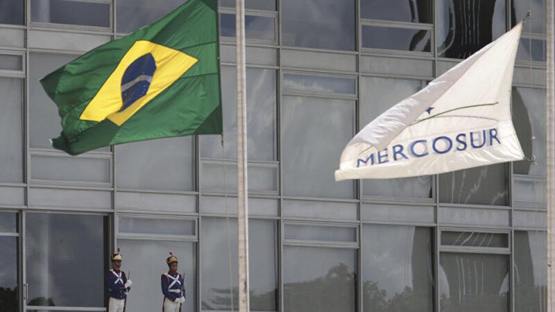 Se Argentina fechar a economia, o Brasil sai do Mercosul, diz Guedes