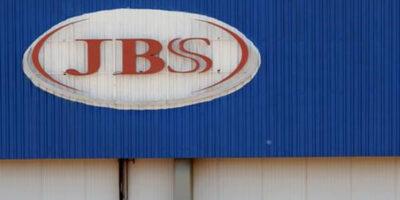 China autoriza retomada de dois frigoríficos da JBS (JBSS3)
