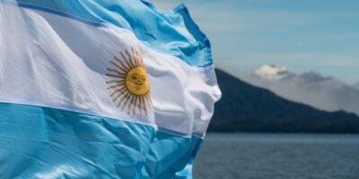 Argentina reestrutura US$ 41,7 bi em títulos de dívida sob legislação local