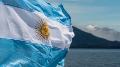 BC da Argentina corta taxa básica de juros para 40% ao ano