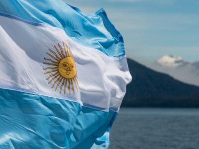 Argentina volta a restringir entrada de importados por problemas cambais