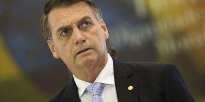 Bolsonaro admite possibilidade de desistir da indicação de seu filho à embaixada