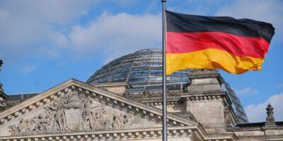 Congressistas da Alemanha tem salário cortado por causa do Covid