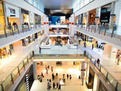 Segundo Abrasce, 52% dos shoppings já reabriram no Brasil
