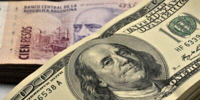 Dólar abre em nova alta atento à reforma tributária e disputa comercial