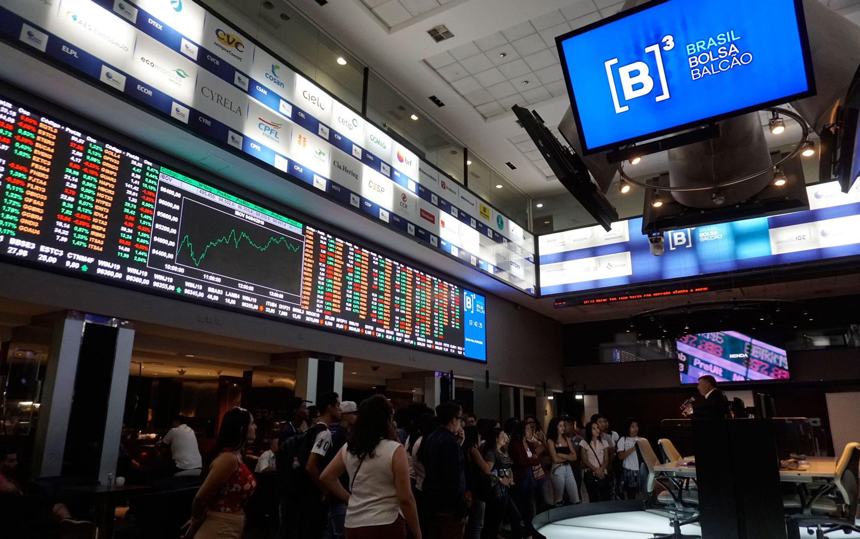 B3: brasil, bolsa, balcão é a bolsa de valores de são paulo, onde o ipo da multilaser foi feito