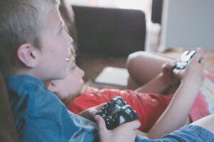 Dia das crianças: confira o declínio da indústria de brinquedos tradicionais