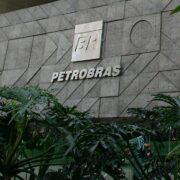 Petrobras (PETR3;PETR4)