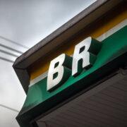 BR Distribuidora negocia venda de ações da Stratura para Bitumina