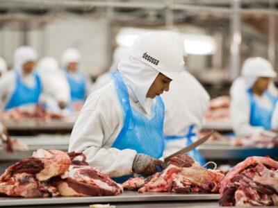 Coronavírus: mais de mil casos confirmados nas fábricas da JBS e BRF