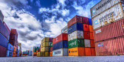 Importações e exportações da zona do euro despencam em abril