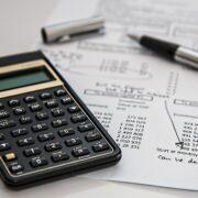 Como os cortes na taxa Selic afetam os investidores