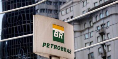 Petrobras (PETR4) elevará em 12% preço da gasolina em refinarias