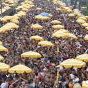 Carnaval: veja três ações com o preço dos produtos mais consumidos