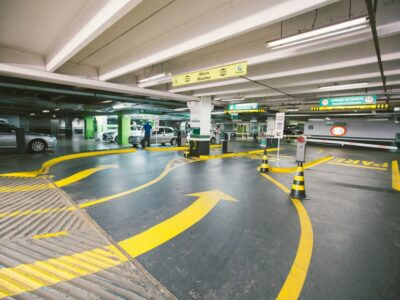 A Allpark (ALPK3), dona da rede de estacionamentos Estapar, precificou seu IPO no piso da faixa indicativa. Clique aqui e saiba mais.