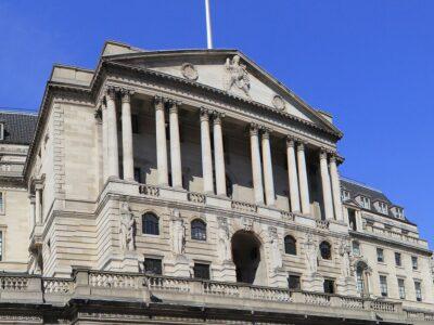 Reino Unido anuncia programa de 330 bilhões para auxiliar empresas