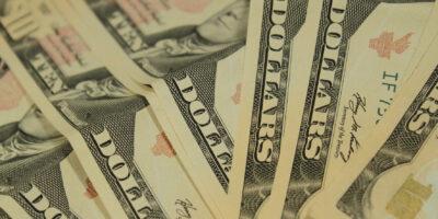 Dólar encerra em queda de 0,62%, cotado em R$ 5,588