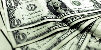 Dólar encerra em queda de 0,69%, cotado em R$ 5,604