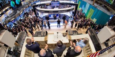 Índices futuros de NY e bolsas europeias operam em alta nesta quarta