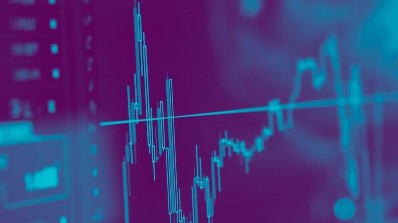 Confira 5 ações que mais valorizaram em agosto