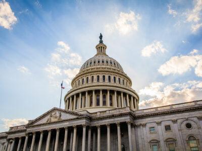 Câmara dos EUA aprova pacote de estímulo na infraestrutura de US$ 1,5 tri
