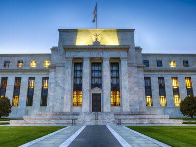 Fed mantém taxa de juros entre 0% e 25%