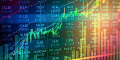 Ibovespa sobe 1,44% acima dos 105 mil pontos com balanços e Fed