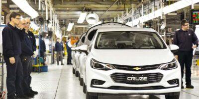 GM propõe suspensão dos contratos de trabalho com redução dos salários