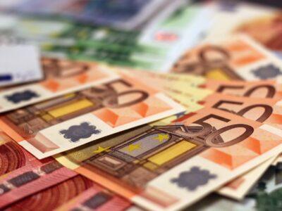 Coronavírus: atividade de serviços na zona do euro cai à mínima histórica
