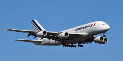 União Europeia permite que França auxilie Air France