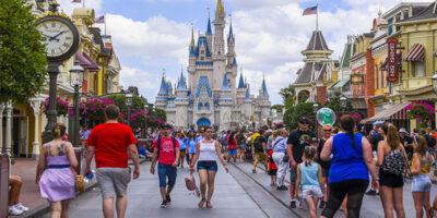 Disney deve ter forte queda na receita, sem filmes e com parques fechados