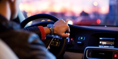 Uber e motoristas não tem vínculo empregatício, segundo TST