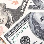 Dólar registra queda de 3,23%